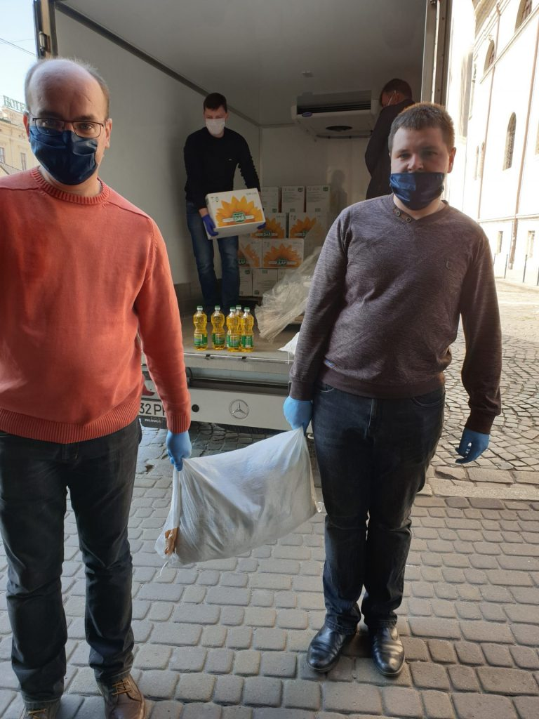 У Львові за період карантину роздали понад 2160 продуктових наборів потребуючим мешканцям