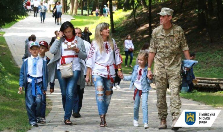Ще 83 воїнам місто виплатить допомогу по 100 тис грн. Перелік осіб