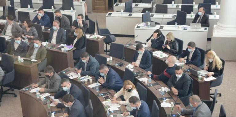У Львові внесли зміни до програми про захист учасників АТО / ООС (надання 100 тис грн)