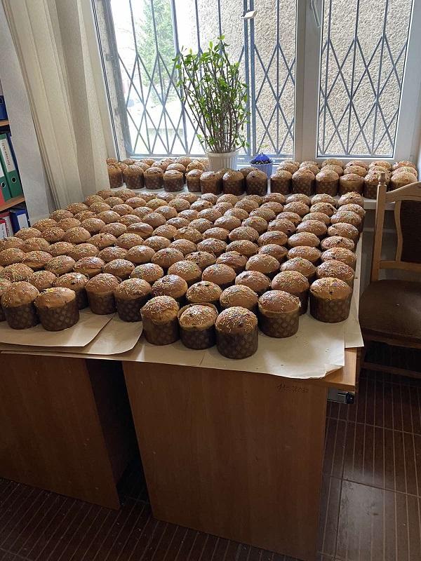 У Львові до Великодня та Дня міста закупили понад 6600  продуктових наборів для людей у потребі