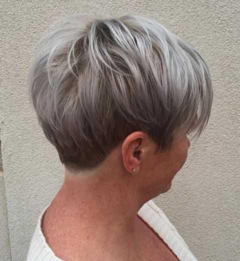 «Пишайтеся сивим волоссям!». Літні львів'янки приєднаються до всеукраїнського флешмобу
