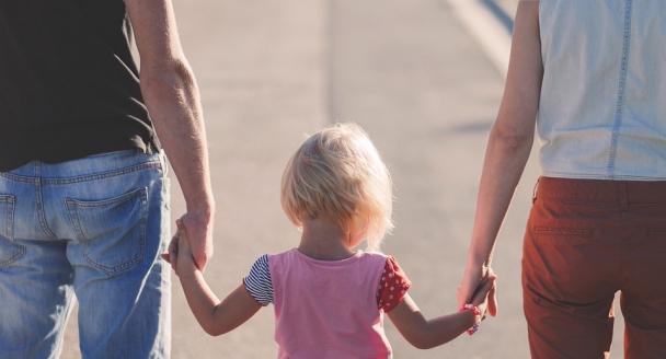 Мерія виплатить матеріальну допомогу батькам, що усиновили дітей