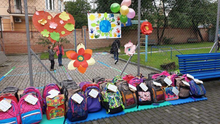 Для дітей з малозабезпечених сімей у Львові організували акцію «Шкільний портфелик»