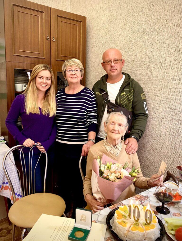Львів'янка-довгожителька Ганна Марченко відзначила свій столітній ювілей