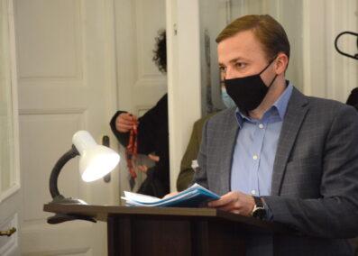 Уже понад 2000 медиків отримали матеріальну допомогу від мерії Львова