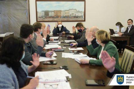 Ще 237 медичним працівникам місто виплатить допомогу по 10 тис грн