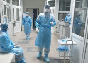 Ще 33 медпрацівники міських лікарень Львова отримають по 10 тисяч гривень