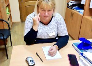 «Жестова мова – місток між двома світами»: в міському управлінні соціального захисту вивчали абетку жестової мови