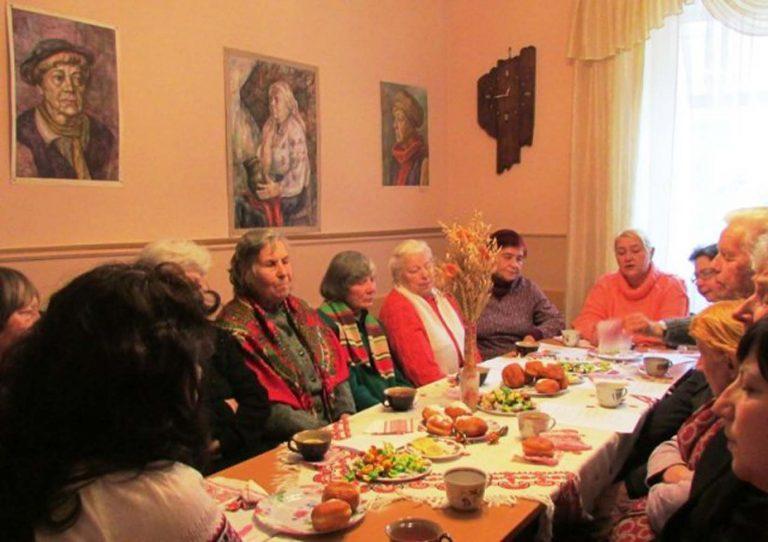 Львів'яни літнього віку весело провели Різдвяні свята