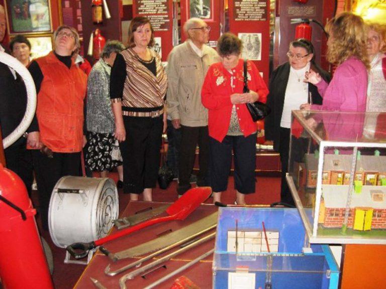 Підопічним терцентру організували екскурсію на пожежно-технічну виставку