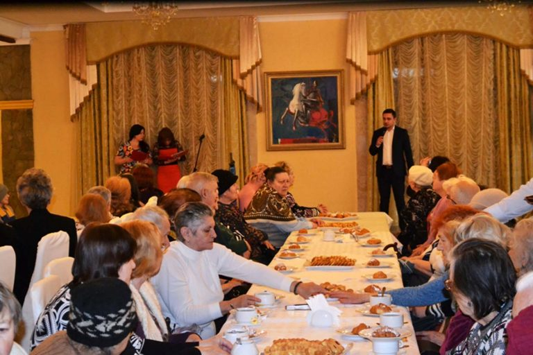 Львів'янки літнього віку відзначили свято весни у святковій дружній атмосфері