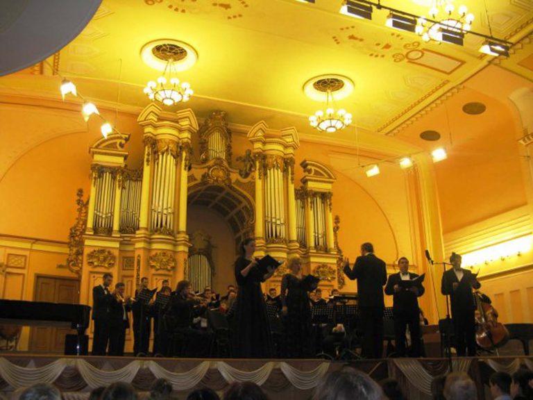 Львів'яни літнього віку слухали шедеври класичної музики