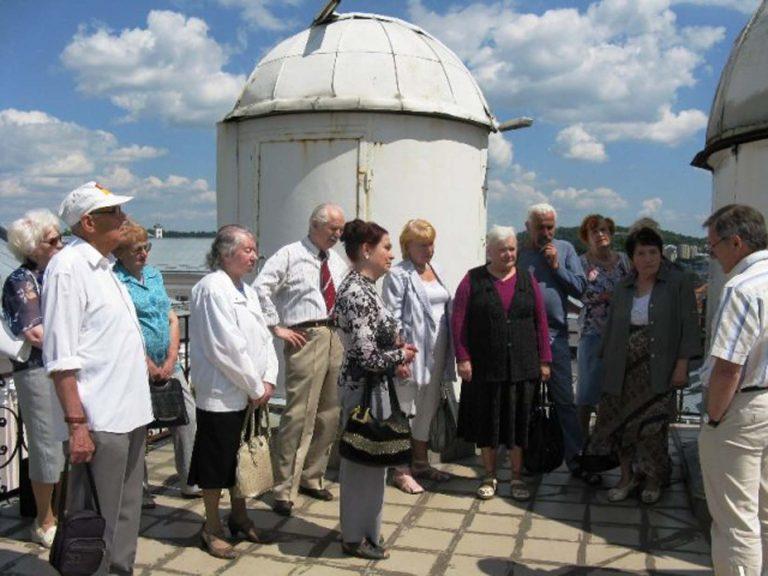 Львів'яни літнього віку побували на екскурсії в обсерваторії