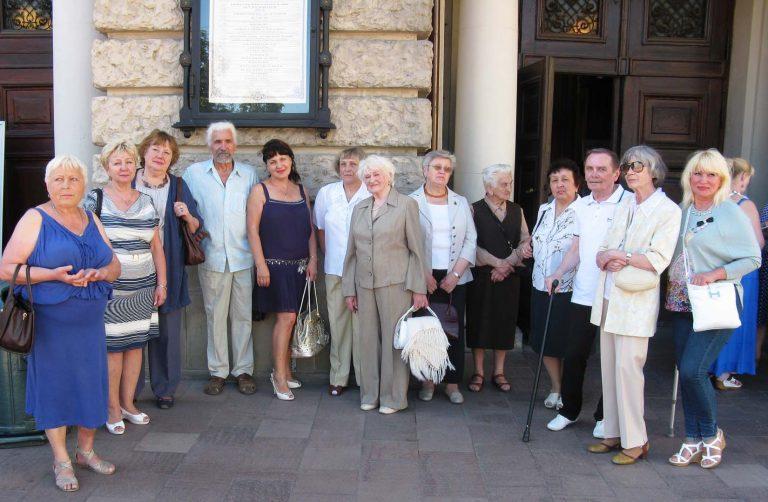 Для літніх людей Львівського міського територіального центру влаштували вечір театру