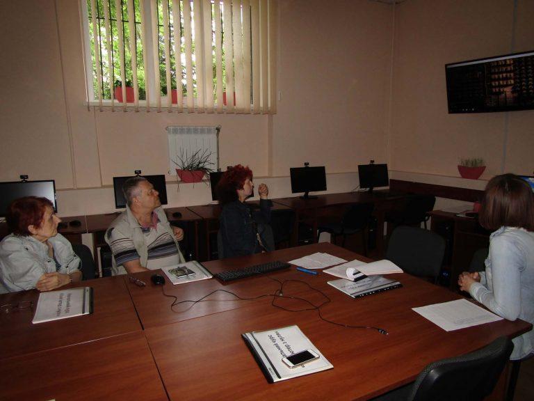 Львівський міський територіальний центр навчає людей похилого віку комп'ютерної грамоти