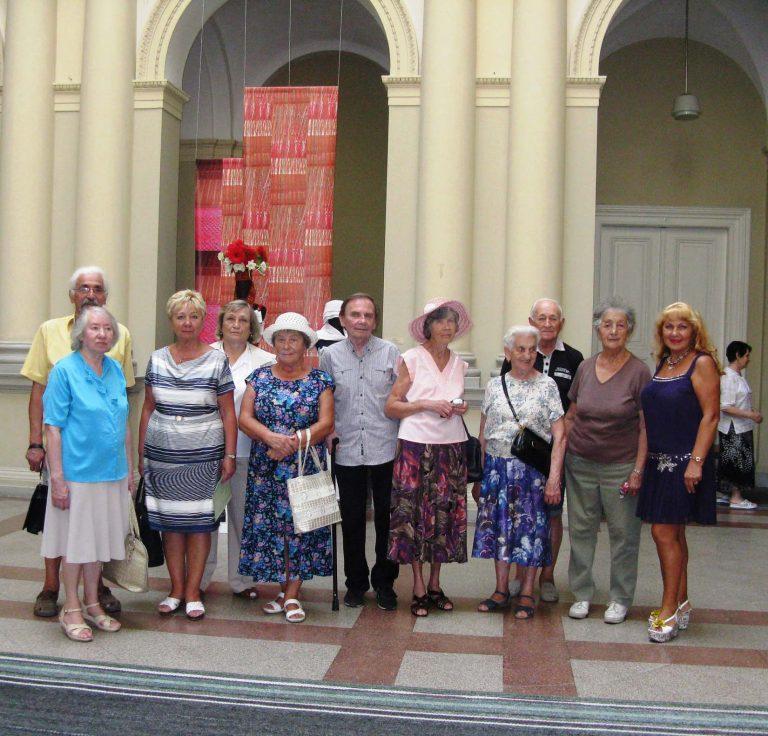 Львів'яни літнього віку відвідали виставку художнього текстилю « Традиція – Інтерпретація – Трансформація »