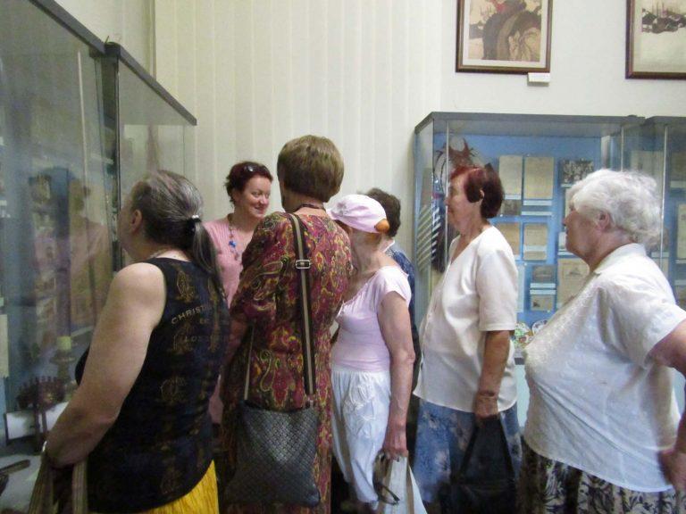 Львів'яни поважного віку побували в «чорній кам'яниці»