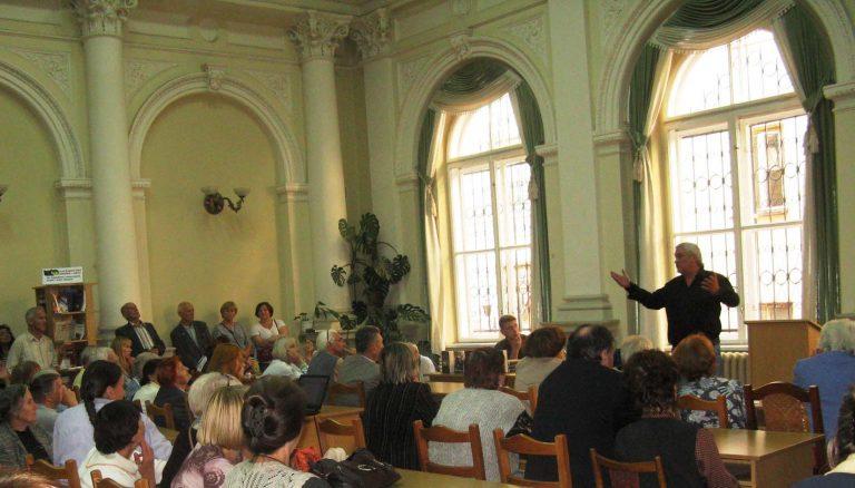 Львів'яни літнього віку приймають активну участь у Форумі видавців