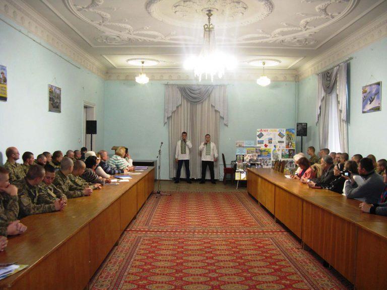 Літні городяни побували на урочистостях з нагоди  Дня захисника України