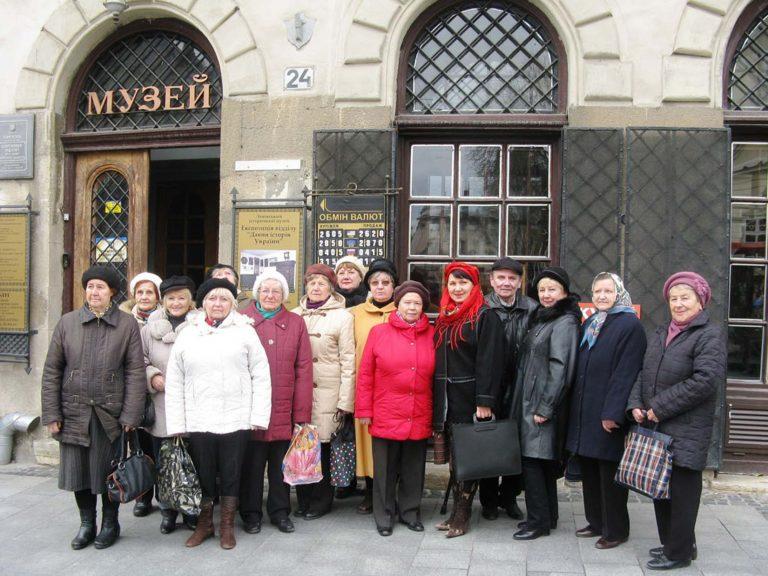 Літні городяни побували на екскурсії у Відділі давньої історії Львівського історичного музею