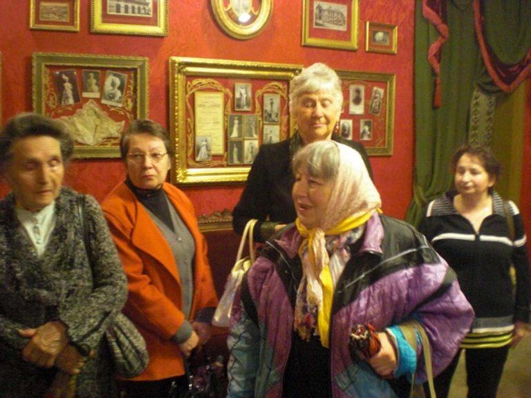 Львів'яни поважного віку відвідали музей Крушельницької