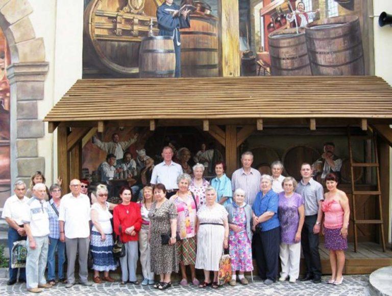 Львів'яни літнього віку побували на екскурсії в Музеї пивоваріння
