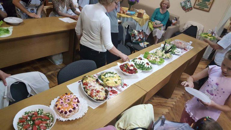 У Львові незрячі господині змагалися у кулінарному конкурсі