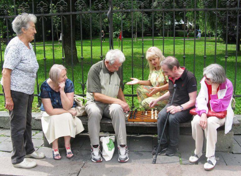 Для літніх львів'ян провели міні-турнір з шахів