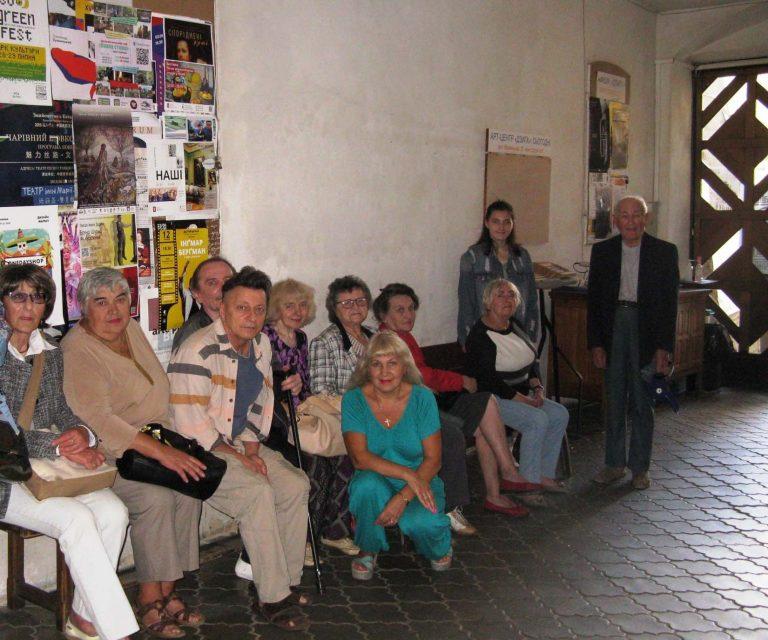 Літні львів'яни побували у центрі сучасного мистецтва «Дзига»