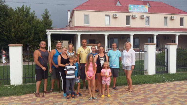 Група людей з особливими потребами повернулася з мандрівки до Чорного моря
