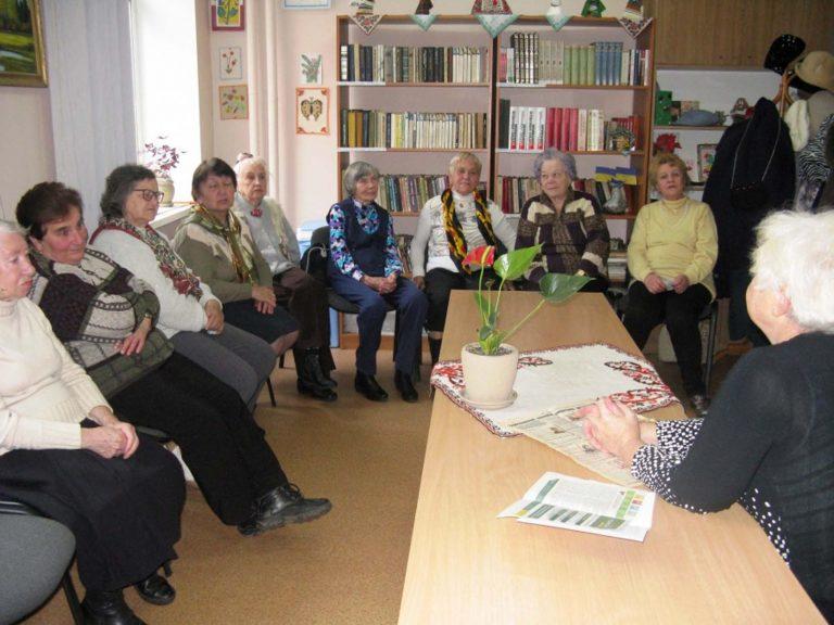 Для львів'ян літнього віку організували літературний вечір