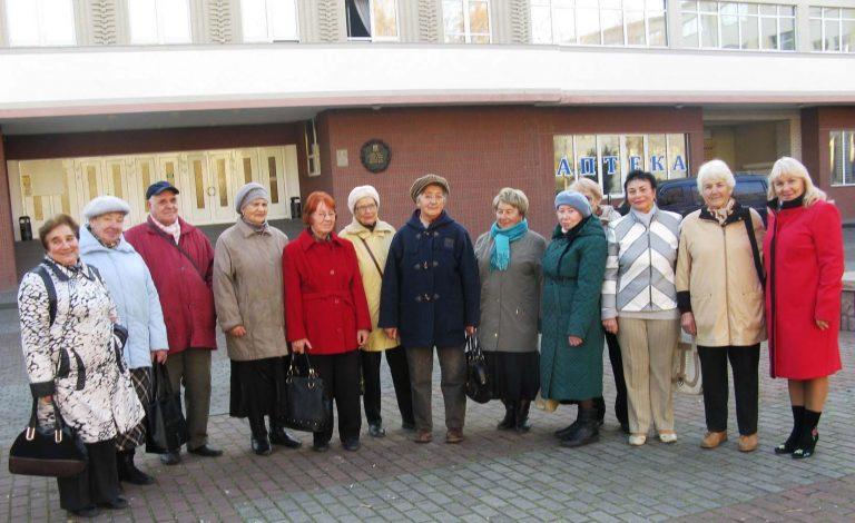 Львів'яни літнього віку побували на екскурсії в музеї історії Львівської залізниці