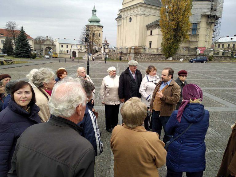 У Львові 300 людей поважного віку візьмуть участь у «Мандрівках рідним краєм»
