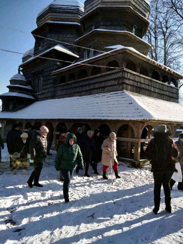 Триста літніх львів'ян за два місяці відвідали 10 сіл та містечок Львівщини: завершився цикл «Мандрівки рідним краєм»