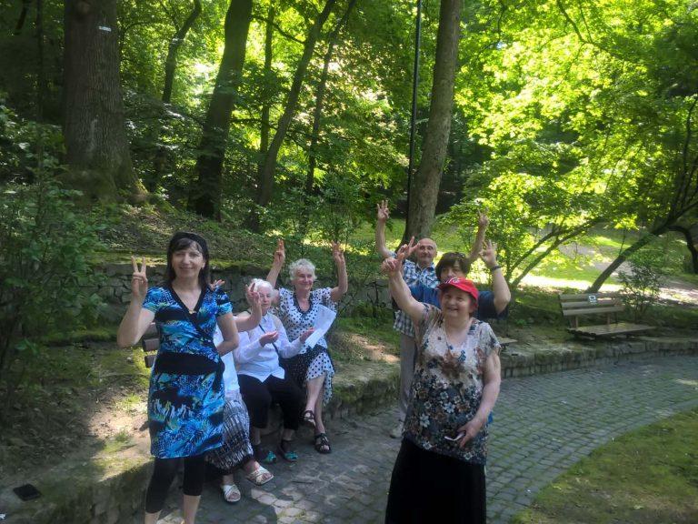"""Літні львівяни проводять дозвілля в стилі """"open air"""""""