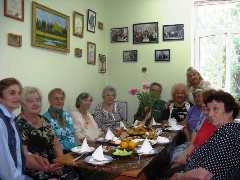 Львів'яни літнього віку ділились кулінарними вподобаннями та побували у філармонії