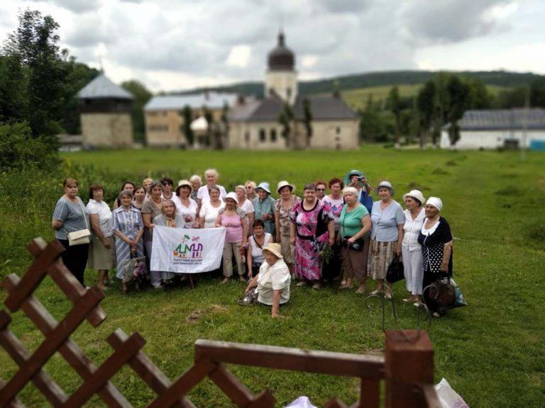 У Львові для людей поважного віку організували цикл подорожей «Мандрівки рідним краєм-3»