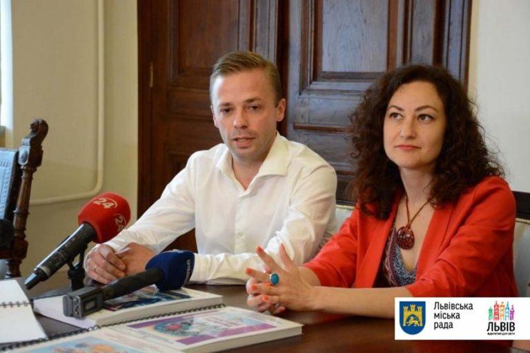 Дитячі книгозбірні Львова отримали 200 унікальних книжок шрифтом Брайля