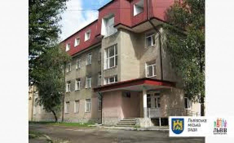 Безхатченки цілодобово можуть отримувати допомогу в Центрі на Кирилівській, 3а