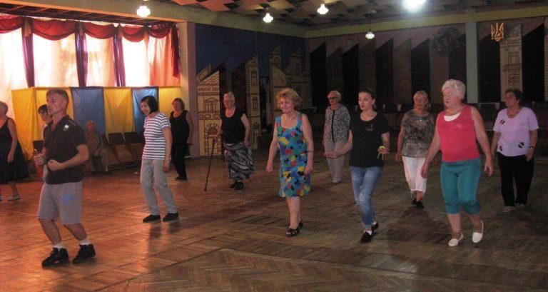 Танцювальний майстер-клас для осіб літнього віку