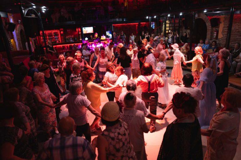 Завтра для львів'ян поважного віку у клубі «Малевич» відбудеться святкова вечірка