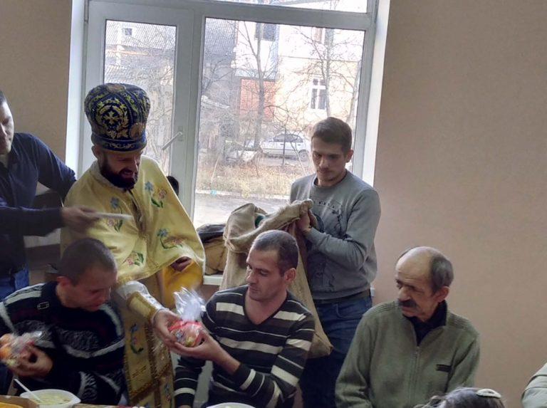 У Львові в Центрі обліку та нічного перебування бездомних осіб відбулась акція «Святий Миколай завітає до тебе»